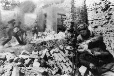 1942-soviet-soldiers-battle-of-stalingrad
