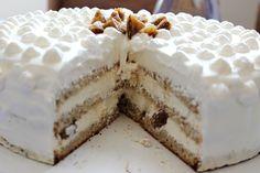 Mariolkowy: Tort Malaga na biszkopcie migdałowym