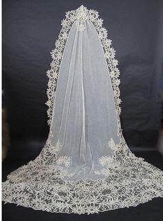 Sobresaliente Antique Lace Battenberg Catedral Longitud de Bridal Veil marzillivintage en Ruby Lane