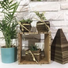 Cardboard Display, Cardboard Paper, Sustainable Wedding, Sustainable Gifts, Paper Furniture, Handmade Items, Handmade Gifts, Pin Pin, Dream Decor