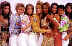 1990 top models Cindy Crawford, Naomi Campbell, Eva Herzigova and Claudia Schiffer 1990s Fashion Trends, Fashion 90s, Versace Fashion, Fashion Models, Versace Clothing, 80s Trends, Fashion Women, High Fashion, Fashion Outfits