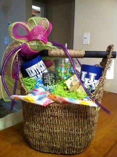 Magazine basket gift idea. www.mythirtyone.com/kimwaldrop