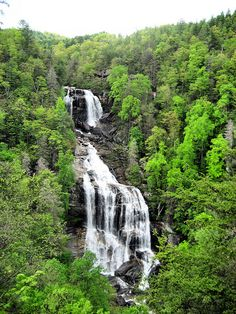 Whitewater Falls, biggest waterfall in the south! Living In North Carolina, North Carolina Mountains, North Carolina Homes, Usa Places To Visit, Places To Travel, Places To See, Vacation Spots, Vacation Rentals, Vacation Destinations