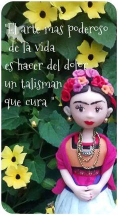 Frida,creacion de  frutillita artesana