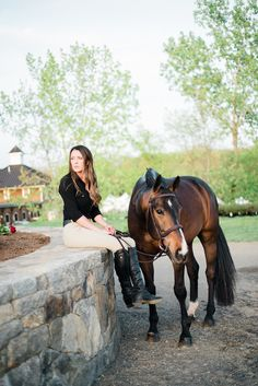 The most important role of equestrian clothing is for security Although horses can be trained they can be unforeseeable when provoked. Riders are susceptible while riding and handling horses, espec… Pretty Horses, Horse Love, Beautiful Horses, Horse Senior Pictures, Horse Photos, Senior Pics, Horse Girl Photography, Equine Photography, Tier Fotos