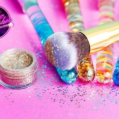 ✨Throwing it back to the 90's with all the glitter! ✨    #nostalgia #90s #glitter #liquidglitter #liquidglitterbrushes #liquidglitterhandle #liquidglittermakeupbrushes #makeupbrushes #makeup #glittermakeup #glitterbrushes #tbt #throwback #throwbackthursday #veganbrushes #mermaidbrushes #mermaid #sparkle #cosmicbrushes #beauty #mua #90sfashion #90svibes