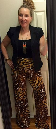 We love the look that Katie, founder of Now You Know Events, paired with our Feather Print Palazzo Pants!