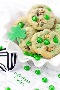 Pistachio and Chocolate Leprechaun Cookies. Yummy pudding cookie recipe.