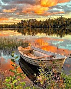 AMAZING SWEDEN⠀⠀⠀⠀ Photo by landscape nature river sea lake boat sky sunset clouds forest reflection⠀⠀⠀⠀⠀ Pretty Pictures, Cool Photos, Beautiful World, Beautiful Places, Landscape Photography, Nature Photography, Landscape Pics, Photography Poses, Image Nature