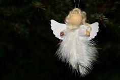 Engel aus Feder, Weihnachts-Basteln mit Kleinkindern