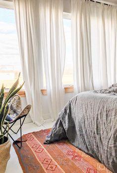 A minimal modern Airbnb in Ben Wheeler, Texas.