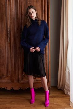 View the full Adam Lippes Pre-Fall 2017 collection.