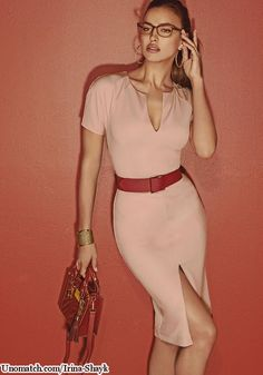 #Irinashayk ##Irinashaykmodel #fashionmodel #celebritygossip #unomatch #fanpage #creatpage  like : http://www.unomatch.com/irina-shayk/