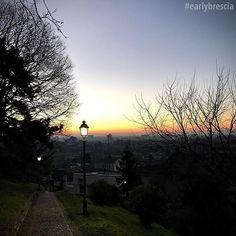 Oggi salutiamo questi giorni che chiudono l'anno con le luci del mattino di @earlybrescia ❤️❤️ _____________________  #earlybrescia #brescia #TurismoBrescia #bresciacentro #bresciasegreta #itineraribs #igersbrescia #insta_brescia #instabrescia #ig_brescia #bresciacity #top_lombardia_photo #scatti_bresciani #vivobrescia #visitbrescia #bresciadascoprire #movingculturebrescia #atlantediviaggio #volgobrescia #volgolombardia #amazingbrescia #iocorroqui #run #running #runner #fitness #runhappy…
