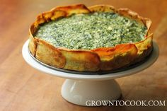 Spinach and spring herb torta in potato crust Adapted from Deborah Madison: Vegetarian Cooking for Everyone, Revised 3 large russet potatoes. Veggie Recipes, Vegetarian Recipes, Cooking Recipes, Healthy Recipes, Vegetarian Cooking, Quiche Ricotta, Spinach Ricotta, Spinach Tart, Spinach Quiche
