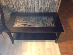 Coffee Table with a nice Pheasant Hunting Scene