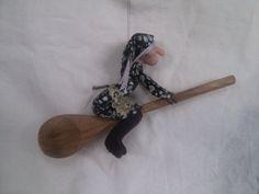 Handmade kitchen witch. van CrookedCrikCraft op Etsy