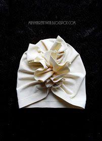 Mama Kreatywna: DIY: czapka turban z falbanką Turban Headband Tutorial, Baby Turban Headband, Baby Headbands, Sewing For Kids, Baby Sewing, Head Wrap Scarf, Baby Crafts, Baby Patterns, Turban Headbands