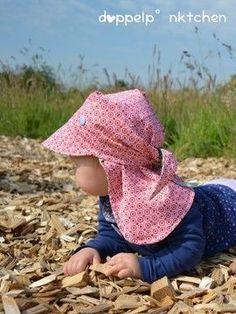 Wunderschönes Kopftuch um Babys und Kinder vor einem Sonnenstich zu schützen - Schnittmuster und Nähanleitung via Makerist.de