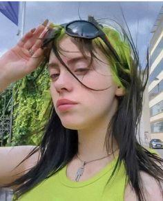 She's so beautiful! Billie Eilish, Pretty People, Idol, Cool Girl, Celebs, Beautiful, Portrait, My Love, Avocado