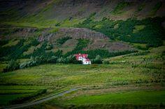 Eine Kirche im Dorf - Island entlang der A1