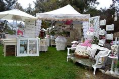 Mammabellarte's booth Pink, White, Cream