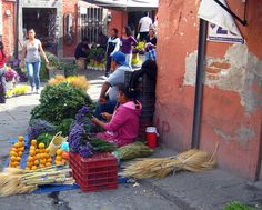 Mercado, street vendors, San Miguel de Allende, Mexico.