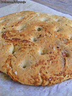 Focaccia z ziołami i cheddarem. Focaccia with herbs and cheddar. Bagel, Cheddar, Herbs, Bread, Food, Cheddar Cheese, Brot, Essen, Herb