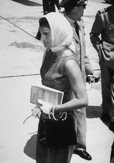 Jackie Kennedy in chic attire after a visit to the Kennedy estate. Palm Beach, Florida, May 15, 1961.