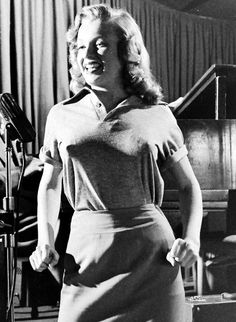Marilyn Monroe during singing lessons at the Mocambo Club, 1948 © J.R. Eyerman Young Marilyn Monroe, Marilyn Monroe Photos, Actor Studio, Norma Jeane, Cinema, In Hollywood, Hollywood Actresses, American Actress, Movie Stars