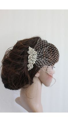 Comb with birdcage veil from Etsy (Angelbridalshop)