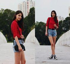 Get this look: http://lb.nu/look/8848701  More looks by Nora Aradi: http://lb.nu/norya  Items in this look:  H&M Shirt, Converse Sneakers, H&M Bag, Mango Belt   #romantic #street #vintage #summer #red