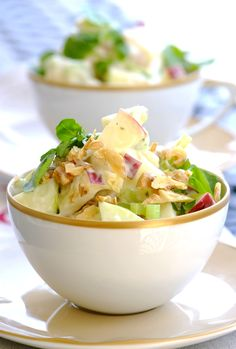 Lighten up a traditional Waldorf salad by combining the mayonnaise with KNORR Light Yoghurt and Herb Salad Dressing! Cannelloni, Waldorf Salad, Herb Salad, Salad Bowls, Salad Recipes, Potato Salad, Cabbage, Spaghetti, Herbs