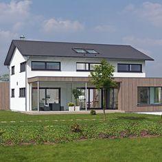 moderne stadtvilla mit zeltdach tauber architekten und ingenieure haus pinterest. Black Bedroom Furniture Sets. Home Design Ideas