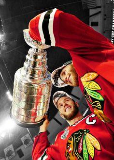 Jonathan Toews and Patrick Kane Blackhawks Hockey, Hockey Teams, Chicago Blackhawks, Rangers Hockey, Flyers Hockey, Hockey Stuff, Sports Teams, Hockey Baby, Hockey Girls