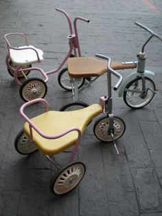 Petit Retro tricycles, if only i knew where to get them! Velo Vintage, Vintage Bikes, Vintage Love, Do It Yourself Design, Antique Toys, Old Toys, The Good Old Days, Vintage Children, Children Toys