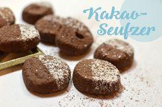 Die schnellste Vanillekipferl-Back-Methode & superleckere Weihnachtsplätzchen-Rezepte: Mürbe, schokoladige Kakaoseufzer und nussige Doppeldecker-Nougatkaros.