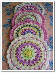 mandala crochet, I love these pattern is here http://made-in-k-town.blogspot.de/2012/05/little-spring-mandala.html