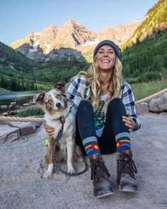 The Ultimate Trail Running Gear Guide to make your trail adventures as fun, comfortable and high performance as possible! Camping 3, Camping Ideas, Mode Plein Air, Cute Hiking Outfit, Cute Camping Outfits, Trekking Outfit, Hiking Wear, Outdoorsy Style, Granola Girl