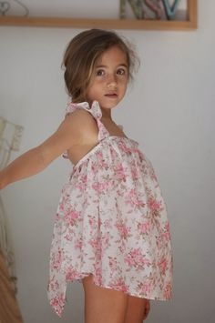 It's not tween, but this little dress is so darned Cute! No sin Valentina Little Girl Models, Cute Little Girl Dresses, Cute Young Girl, Beautiful Little Girls, Little Girl Outfits, Cute Girl Outfits, Cute Outfits For Kids, Cute Little Girls, Preteen Girls Fashion