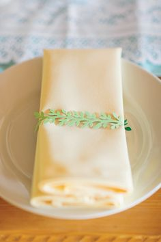 papercut napkin holder | Gracie Blue #wedding