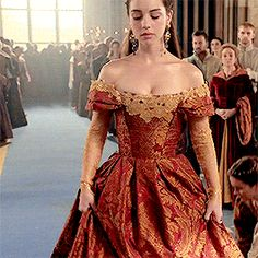 mary stuart + her coronation dress (requested by anonymous) Reign Mary, Mary Queen Of Scots, Queen Mary, Mary Stuart, Adelaine Kane, Selena And Taylor, Reign Tv Show, Old Fashioned Love, Angels And Demons