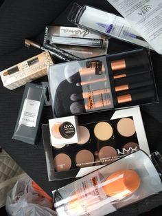 Pin de coni en Make up / Maquillaje Makeup Haul, Drugstore Makeup, Makeup Cosmetics, Glam Makeup, Make Up Kits, Makeup Storage, Makeup Organization, Makeup Collection Storage, Smokey Eye Makeup