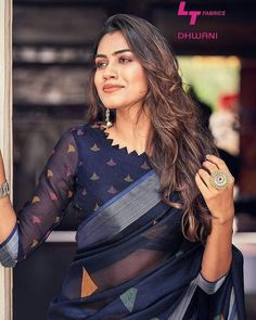blouse designs Want to get that stylish look in Saree. Take a look at these stunning and trending blouse designs photos for ultimate style. Indian Blouse Designs, Blouse Back Neck Designs, Kurta Designs, Cotton Saree Blouse Designs, Simple Blouse Designs, Stylish Blouse Design, Bridal Blouse Designs, Latest Saree Blouse Designs, Fashion Weeks