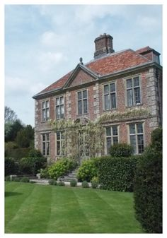 Heale House and its eight acres of beautiful gardens lie beside the river Avon at Middle Woodford, just north of Salisbury in Wiltshire.  Much of the house is unchanged since King Charles II was in hiding in 1651.