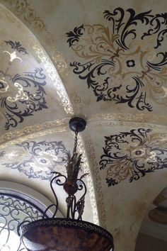 I like the way it extenuates the ceiling shape. - Stunning stenciled groin ceiling by Deborah Schmersal Kelly using Ornamental Modello® Designs vinyl stencils and a beautiful color scheme. Center Stencil and Border Stencil Ceiling Murals, Ceiling Decor, Ceiling Design, Roof Ceiling, Wall Design, Stencils, Wal Art, Ceiling Detail, Faux Painting