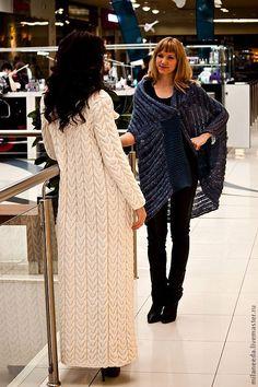 Вязаное пальто Косы, возможен вариант с длиной до колена Knit Cardigan Pattern, Wool Cardigan, Beanie Hats For Women, Angora Sweater, Knitted Coat, Coat Patterns, Lightweight Cardigan, Winter Wear, Womens Scarves