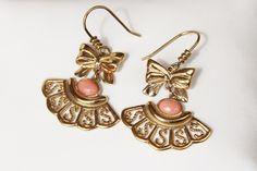 boucles d'oreilles en corail rose véritable ,et plaqué or ,montées main (ref bo6) : Boucles d'oreille par les-tresors-de-la-corse