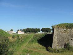 La pointe du bastion de Montmorency à Rocroi sous un ciel bleu azur!! même dans les Ardennes, il fait beau!