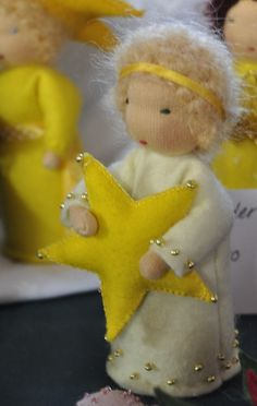 Frühling - Sternenmädchen Jahrezeitentisch - ein Designerstück von Elfenzwerg bei DaWanda